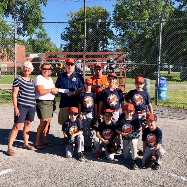 Run Merrickville Donates to Local Baseball Association